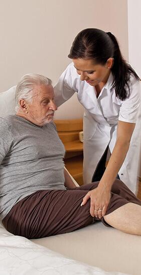 cuidador-de-idosos-home